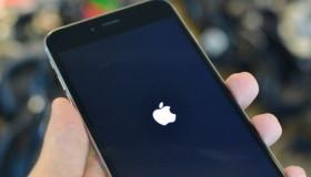 """Thủ thuật để phân biệt màn hình iPhone """"zin"""" khi test máy cũ"""
