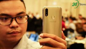 """Trên tay Mobiistar X: phiên bản """"iPhone X"""" giá rẻ"""