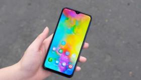 """Điện thoại """"ngon mà rẻ"""" bạn tin không? Galaxy M20 thiết lập kỷ lục bán chạy nhất Việt Nam"""