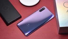 Mở hộp Xiaomi Mi 9: Snapdragon 855, 3 camera, cảm biến vân tay dưới màn hình