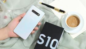 Samsung Galaxy S10: sạc ngược không dây ký sinh, cảm biến siêu âm đầu tiên trên thế giới