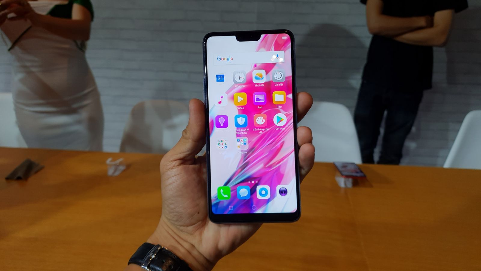 ảnh oppo f7 hang cong ty.3