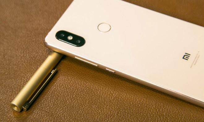 Chia sẻ các điểm giống và khác giữa Xiaomi Mi 8, Mi 8 SE, Mi 8 Pro