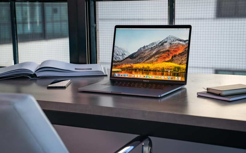 Macbook Pro 15 inch MR942 512GB 2018 gọn nhẹ