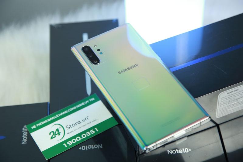 Samsung Note 10 Plus có thiết kế bên ngoài ấn tượng và mạnh mẽ
