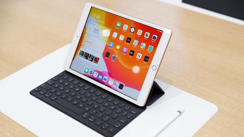 iPad 10.2 Về khả năng thay thế máy tính xách tay