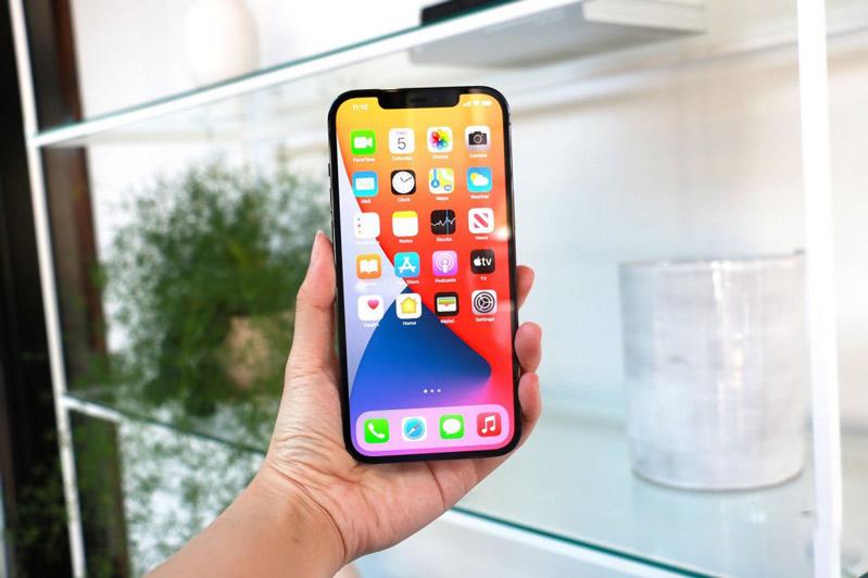 iPhone hay Samsung chụp ảnh đẹp hơn